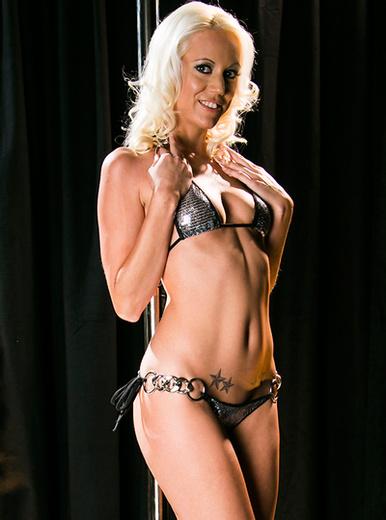 Kacey Villainess - XXX Pornstar