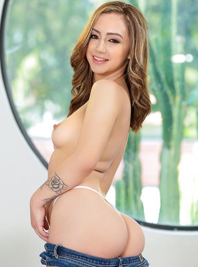 Lily Jordan - XXX Pornstar