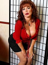vanessa bella mature Latina