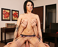A Bribe From The Boss - Juelz Ventura - 4