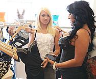 Aggressive Retail Dyke - Teagan Summers - Kiara Mia - 1