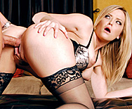 She's a Material Girl - Alexis Texas - 4