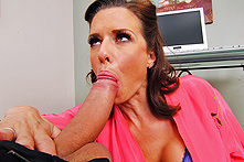 Veronica Avluv in Fix My Cunt-puter - Picture 2
