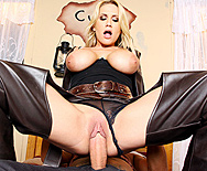 Fistful Of Pussy - Alanah Rae - 4