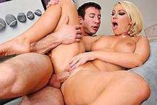 Mellanie Monroe in Fucking The Butler's Son - Picture 4