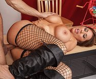 Mommy Mans the Kissing Booth - Kianna Dior - 5