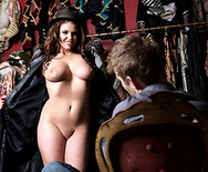 Mannequin Magic - Emma Leigh - 4