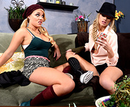Picking The Perfect Pussy - Alexis Monroe - Jessa Rhodes - 1