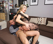 She is Maid of Ass - Vittoria Risi - 5