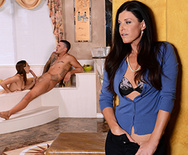 Bathtime With a Hot MILF - India Summer - Sara Luvv - 1