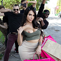 Kim K Fucks The Paparazzi