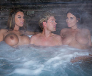 Storm of Kings XXX Parody: Behind the Scenes - Anissa Kate - Peta Jensen - Aruba Jasmine - 1