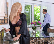 Expose Yourself to MILFS - Parker Swayze - 1